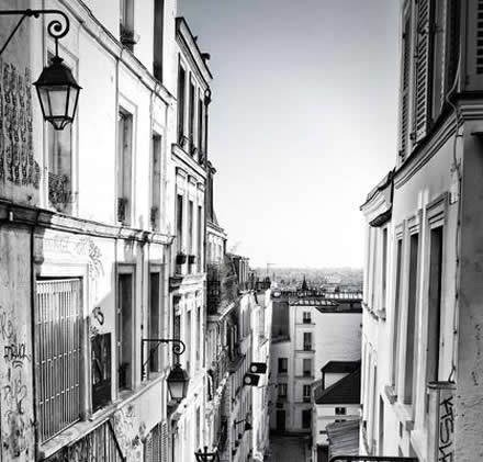 Accommodation in France - Street Montmartre