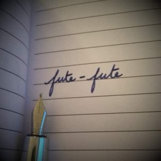 Intraduisible 8 - French worw fute-fute written on a notebook