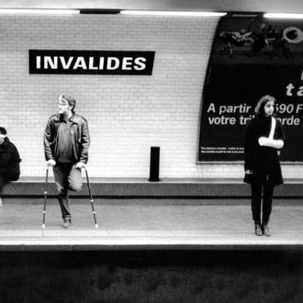 invalides metro
