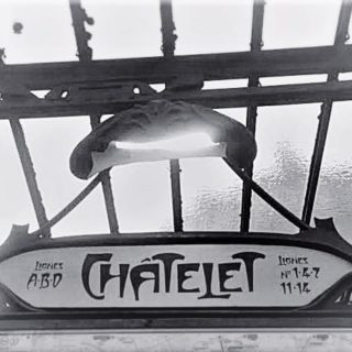 the Châtelet métro sign