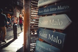 signs for Saint Malo