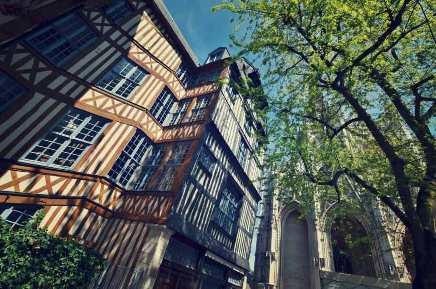 maison-qui-penche-rouen-e1494500947920