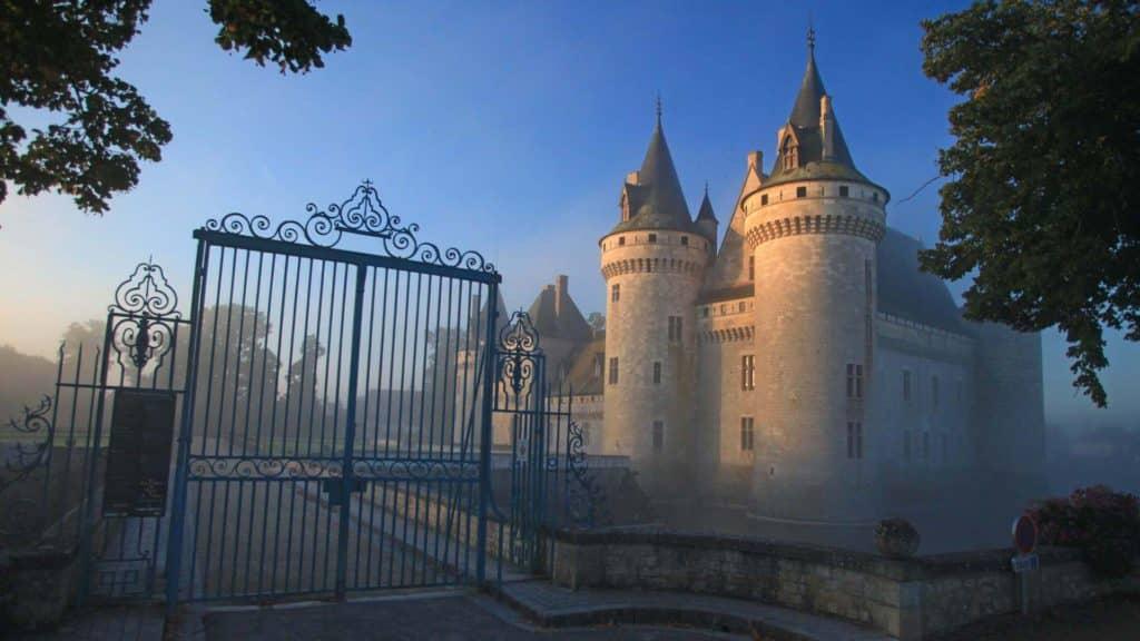 Sully-sur-Loire-chateaux-de-la-loire-babylangues
